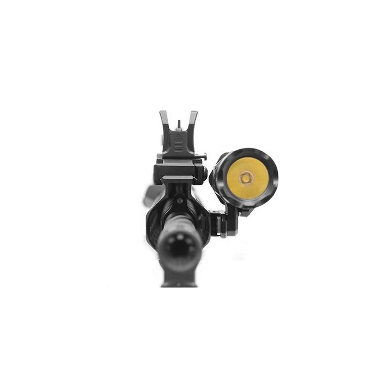 Úhlová offsetová nízkoprofilová montáž UTG pro taktickou svítilnu, systém M-LOK