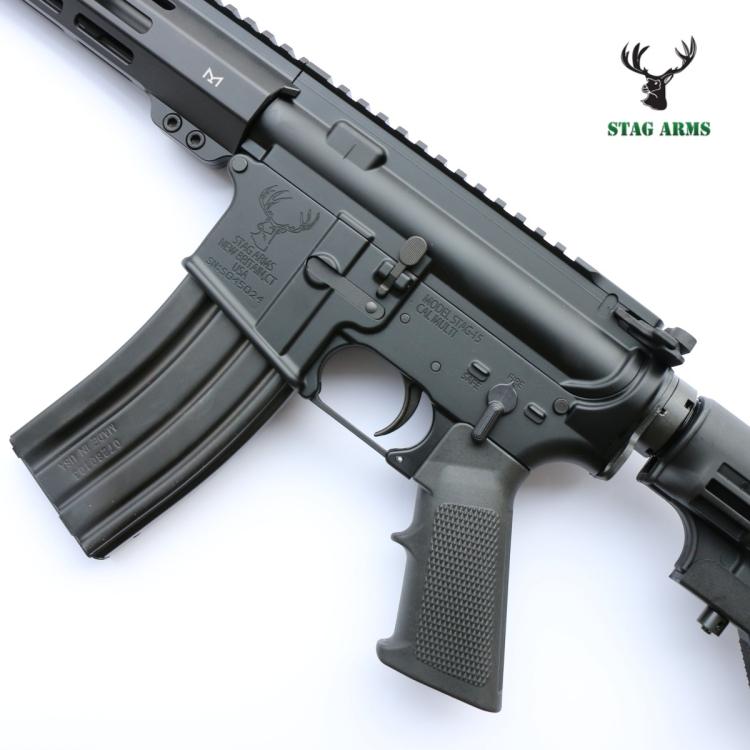 """Samonabíjecí puška AR15 Stag Arms model LEO M-LOK, ráže .223 Rem, 16"""" hlaveň"""