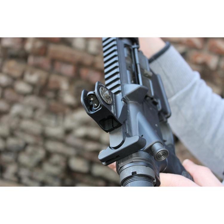 Samonabíjecí karabina Daniel Defense DDM4 V1, ráže .223 Rem